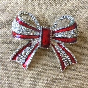 Pretty Kenneth Cole Signed Bow Pin Brooch